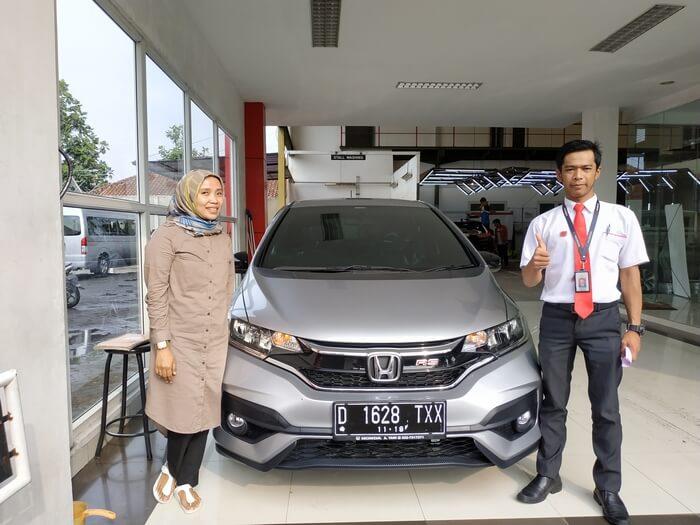 Serah Terima Mobil Honda Bandung (8)