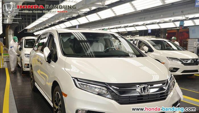 Honda Civic Meninggalkan Inggris dan Kembali ke Kampung Halaman